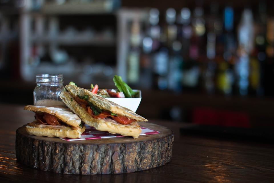 Healthy lunch: panini met tonijn
